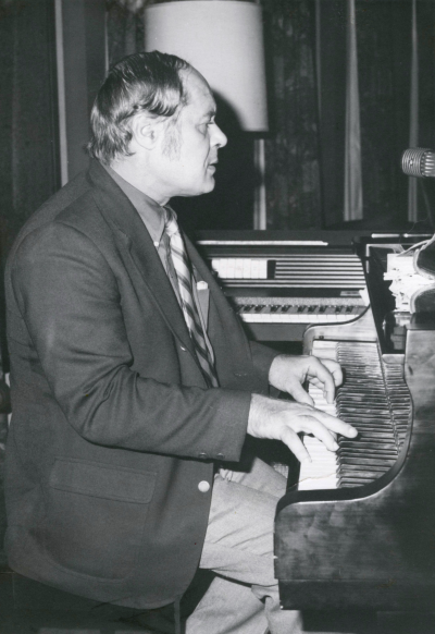 Harry Evans at the Piano